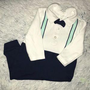 ♥️ Adorable infant bodysuit/onesie with bow tie!